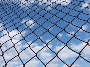 fence-1078615_1920